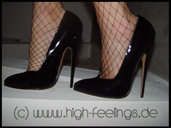 high heels extrem. Black Bedroom Furniture Sets. Home Design Ideas
